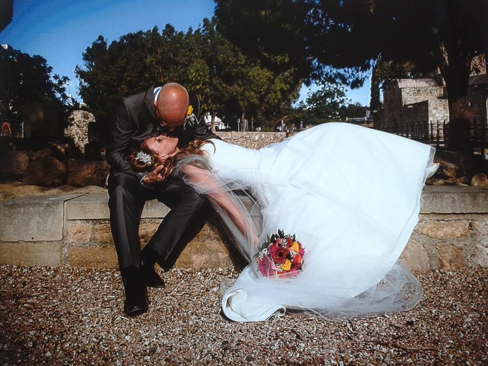 stunning photos at St Paul's Pillar following wedding ceremony